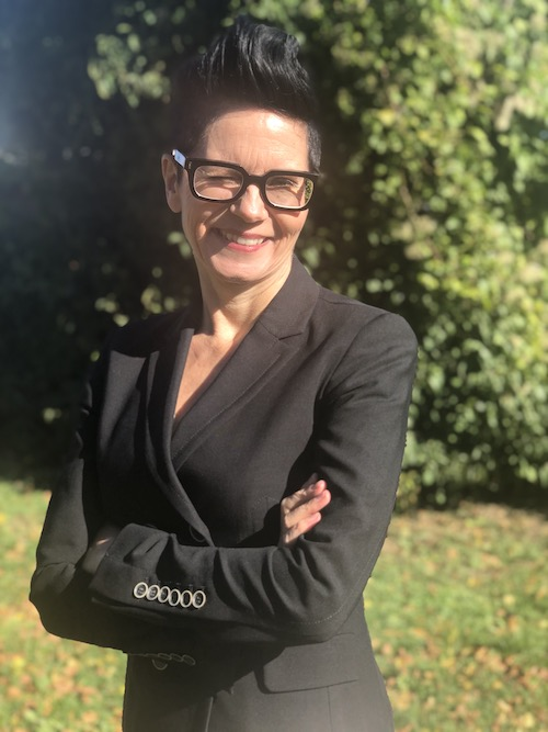 Sabine Votteler im Grünen